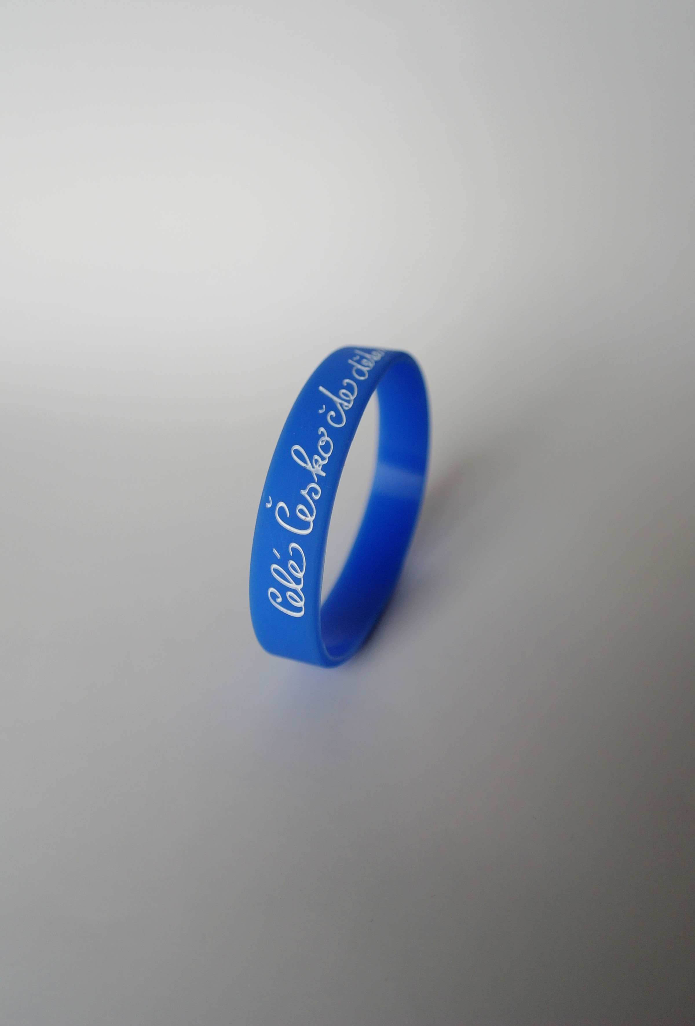 Silikonový náramek světle modrý - velký