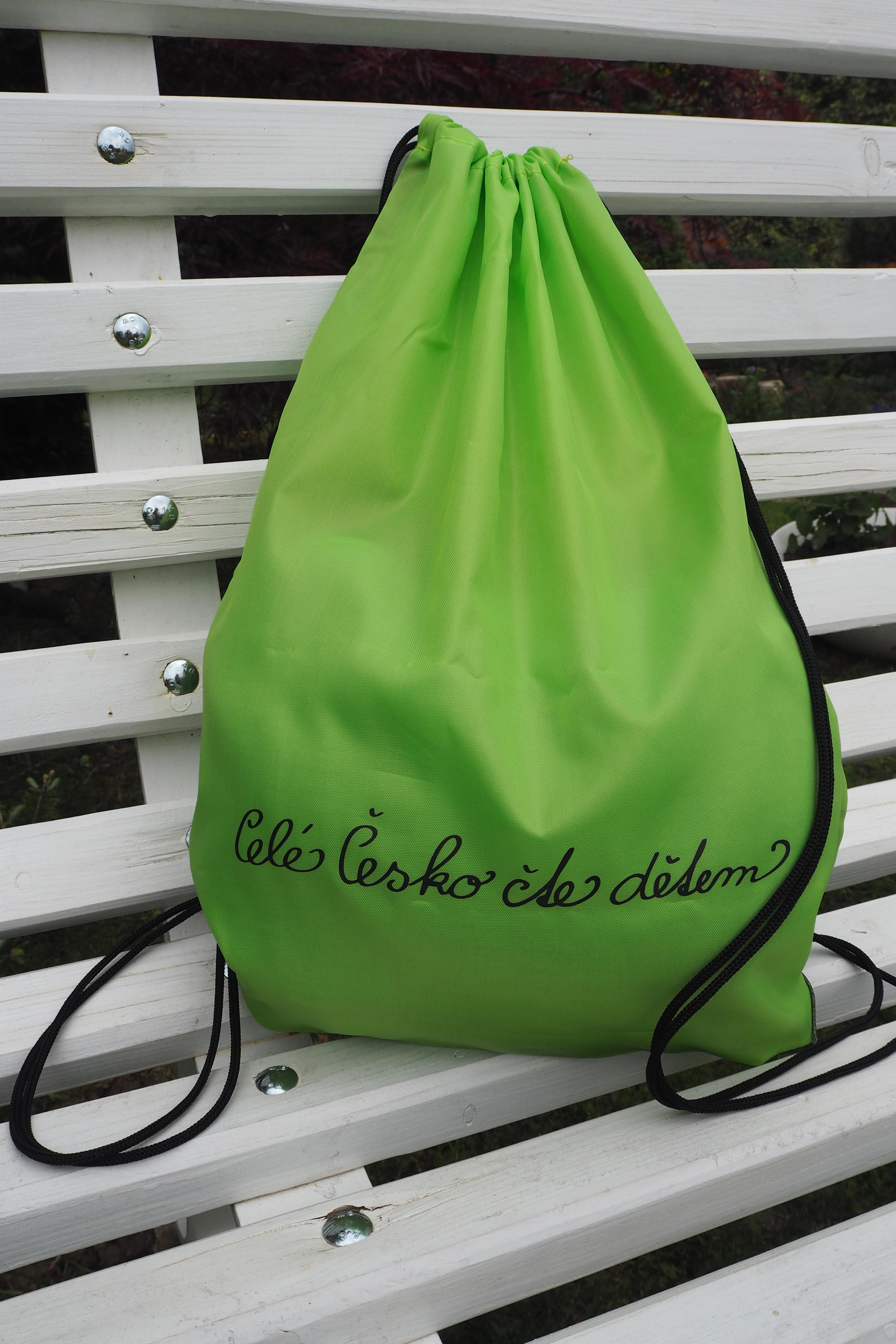 Batůžek se zdrhovací šňůrkou zelený